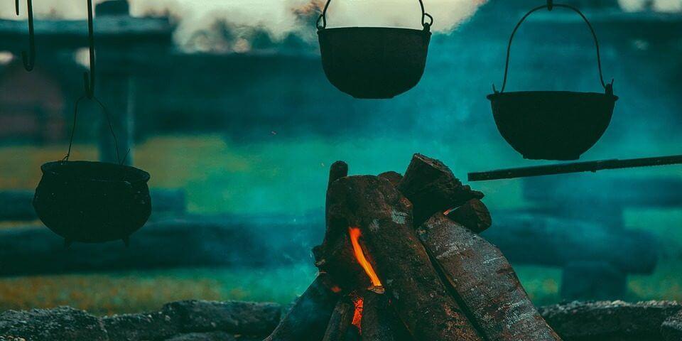 perapian tungku kayu bakar