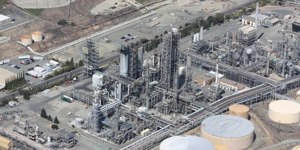 refinery kilang minyak gas bumi
